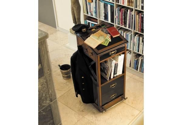 valet de chambre gonautical. Black Bedroom Furniture Sets. Home Design Ideas