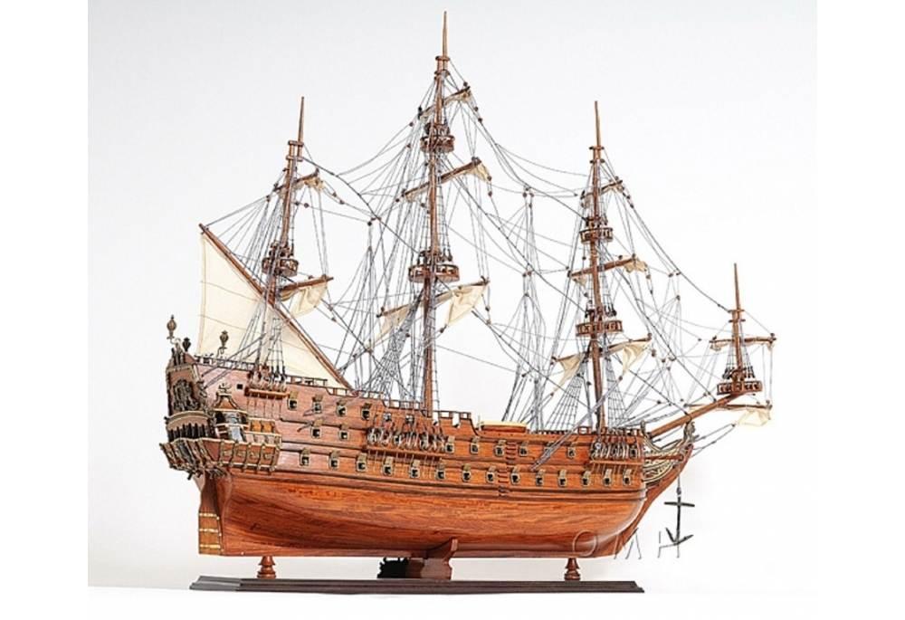 Zeven Provincien Tall Ship Wooden Model Decoration