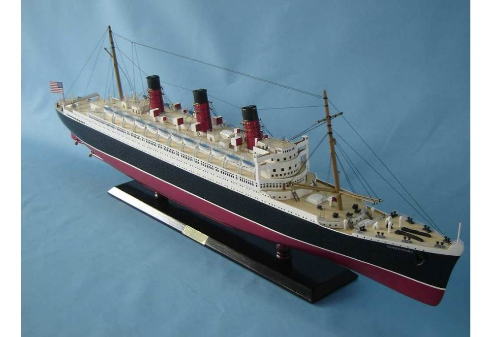 Queen Mary Cruising Ship With Lights Model Wooden Replica