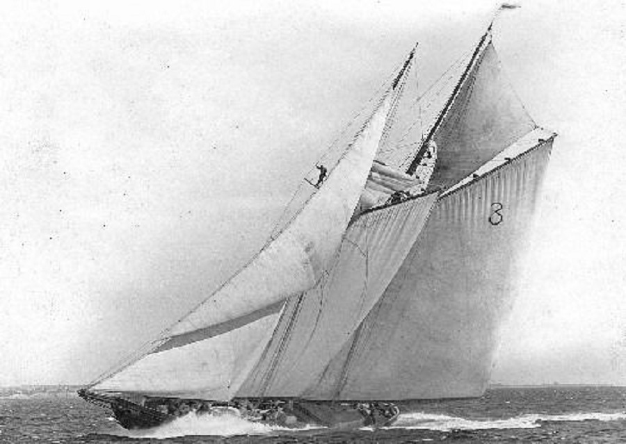 Columbia Sailing