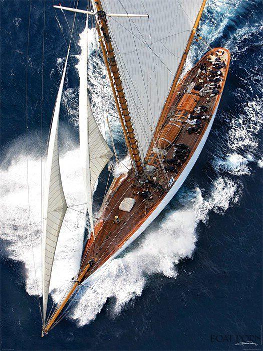 J Boat Sailing