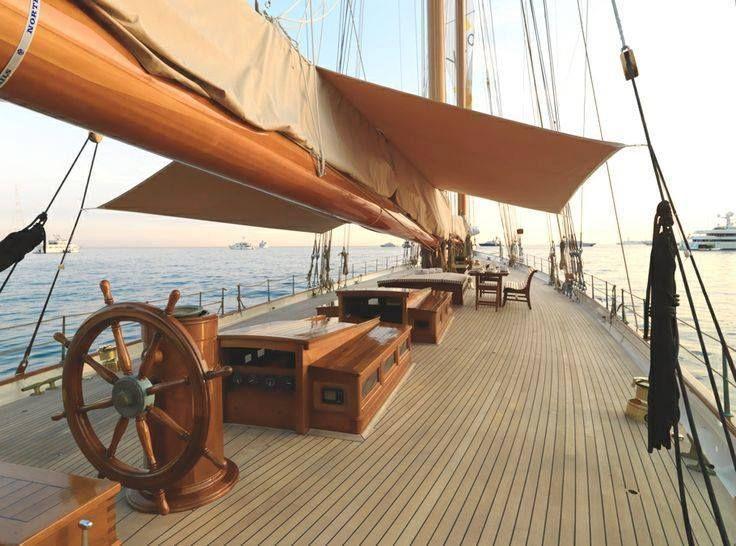 Sailing Yacht Elena.